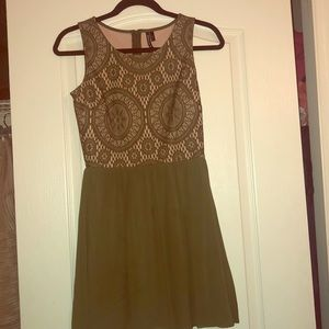 Only wore once green dress!!